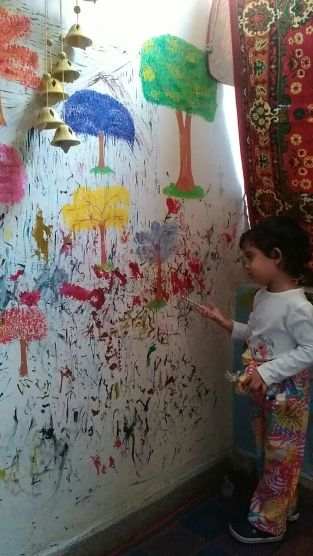 Making walls of life. Photograph courtesy of Zoya Khan.