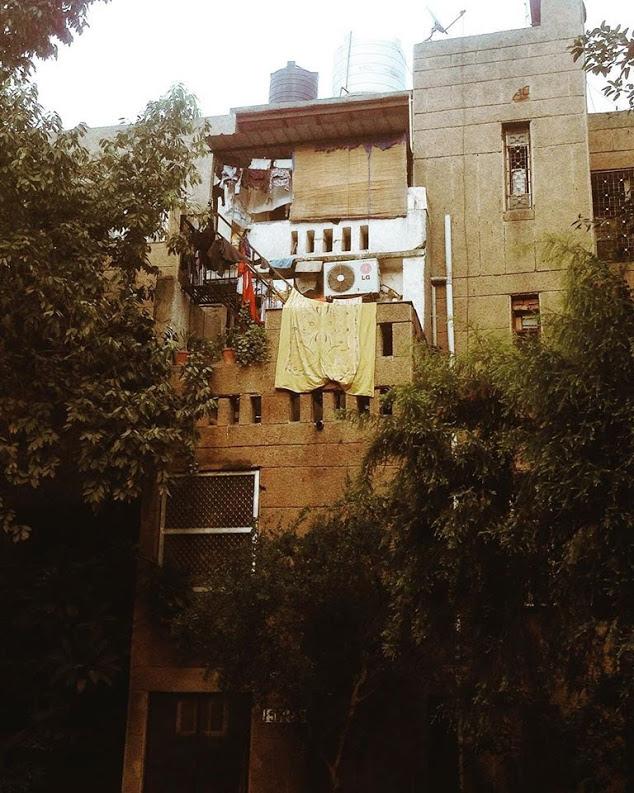 Folding in modernism (Zakir Bagh Apartments, Delhi).